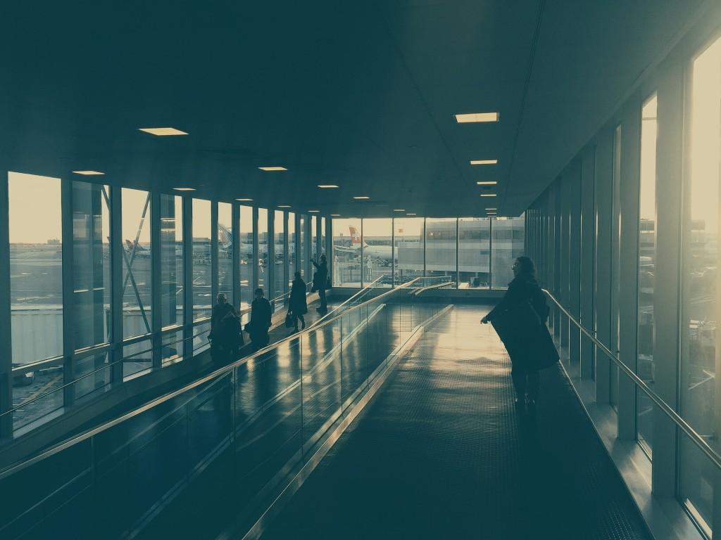 aeropuerto a oscuras